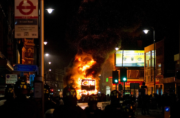 london-riot-tottenham.jpg