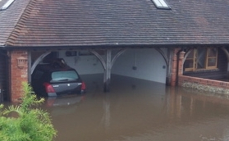 flooded-garage