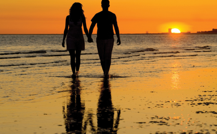 couple-in-sunset